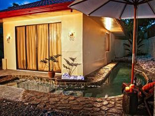 Agila Pool Villas Resort Себу - Басейн