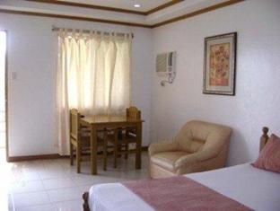The Iruhin Tagaytay - Guest Room