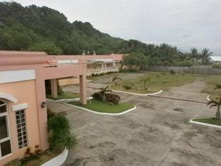 Pangil Beach Resort Currimao - בית המלון מבחוץ
