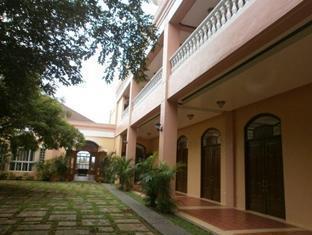 Pangil Beach Resort Currimao - Exterior del hotel
