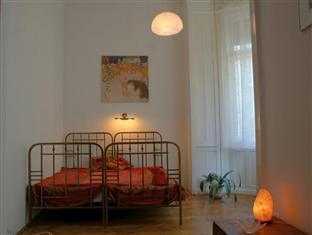 Danube Andrassy Apartment Budapest - Bedroom