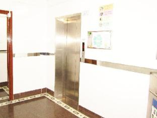 New Hong Kong Hostel - Las Vegas Group Hostels HK Hong Kong - Hotel Lift Lobby