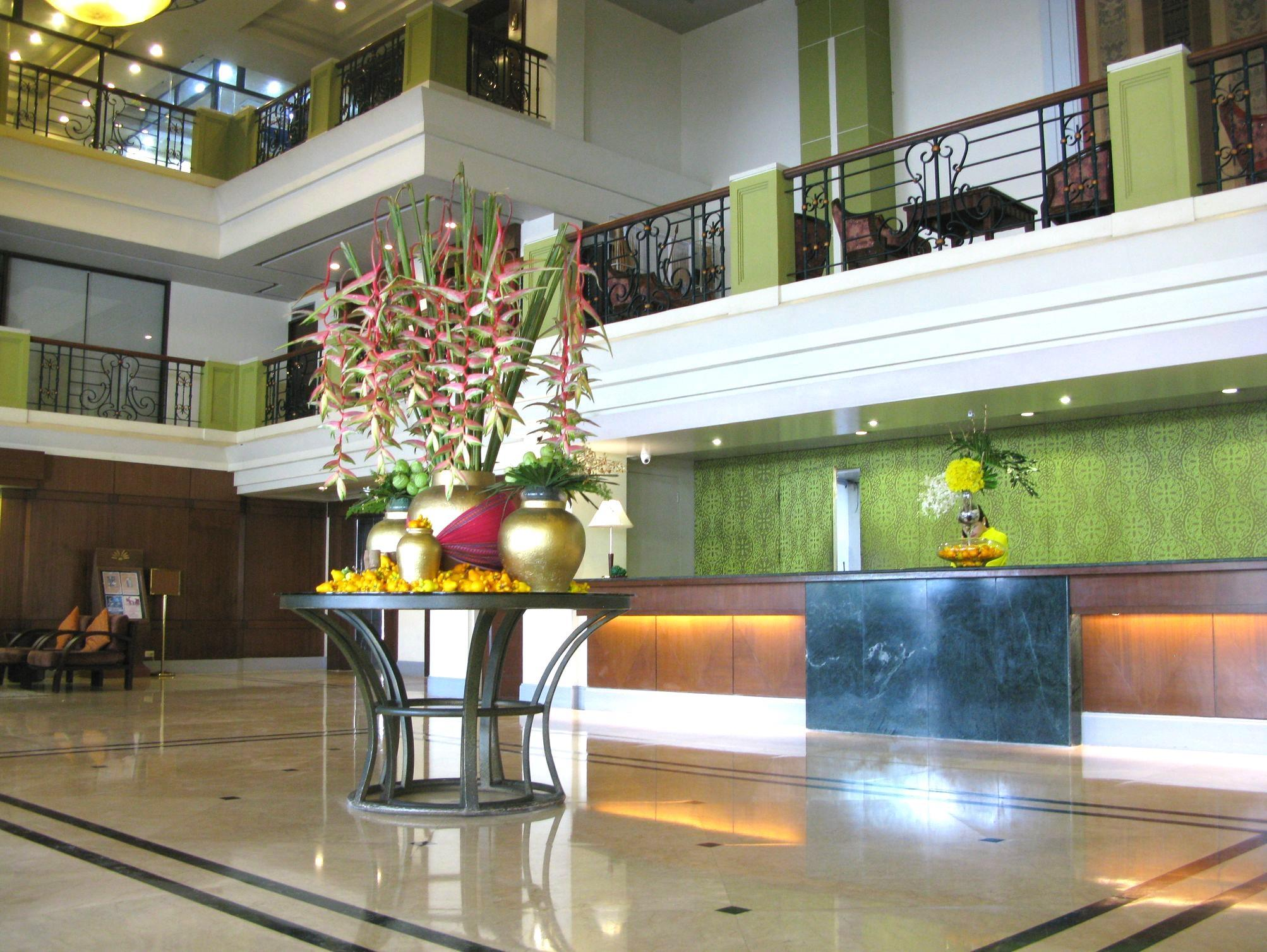 The Royal Mandaya Hotel Davao City - Utsiden av hotellet