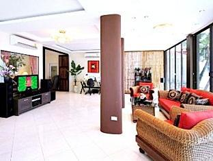 Patong Beach Front Suites Phuket - Interno dell'Hotel