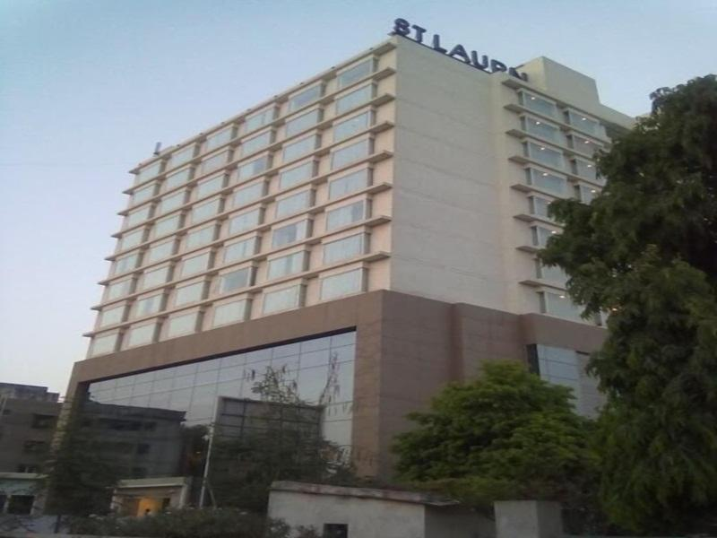 St Laurn Tower Hotel - Hotel and accommodation in India in Ahmedabad