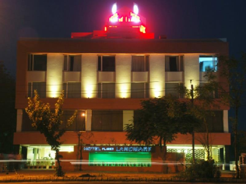 Hotel Planet Landmark - Hotel and accommodation in India in Ahmedabad