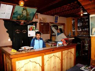 Shiva Guest House Bhaktapur - Food, drink and entertainment
