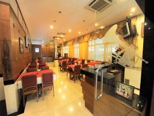 더 화이트하우스 콘도텔 파타야 - 식당