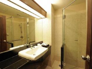 더 화이트하우스 콘도텔 파타야 - 화장실