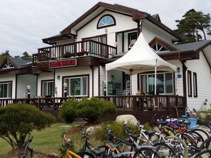 โรงแรม กังเนือง เกสท์เฮ้าส์  (Gangneung Guest House)
