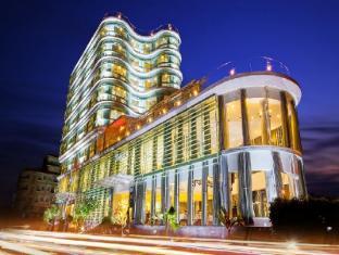 River Hotel Ha Tien 和天酒店