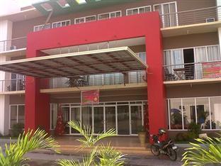 Regal Plaza Hotel - Hotel Facade