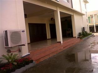 Regal Plaza Hotel - Hotel Exterior