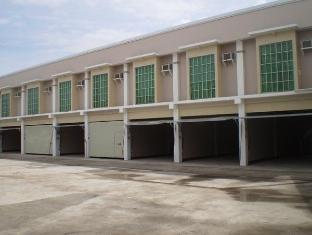 Regal Plaza Hotel - Car Park