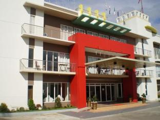 Regal Plaza Hotel - Exterior