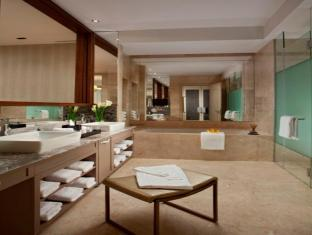 Resorts World Sentosa - Equarius Hotel Singapore - Deluxe Room - Bathroom