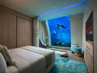 Resorts World Sentosa - Beach Villas Singapore - Ocean Suite - Bedroom