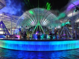 Resorts World Sentosa - Beach Villas Singapore - Lake of Dreams
