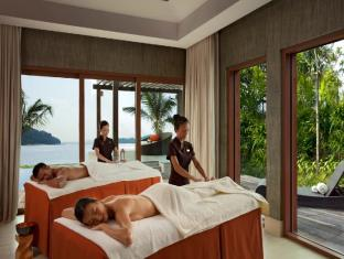 Resorts World Sentosa - Beach Villas Singapore - Beach Villas Private Spa Suites