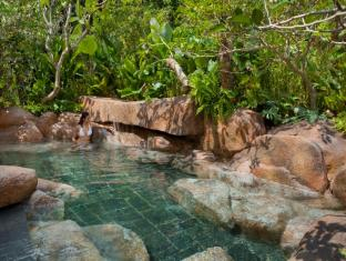 Resorts World Sentosa - Beach Villas Singapore - ESPA - Forest Onsen Style Pool