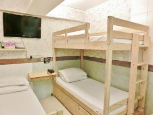 Geo-Home Holiday Hotel Hong Kong - Triple Bed Room