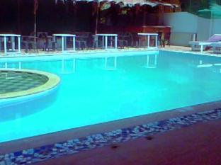 The Plazaa Inn North Goa - Swimming Pool