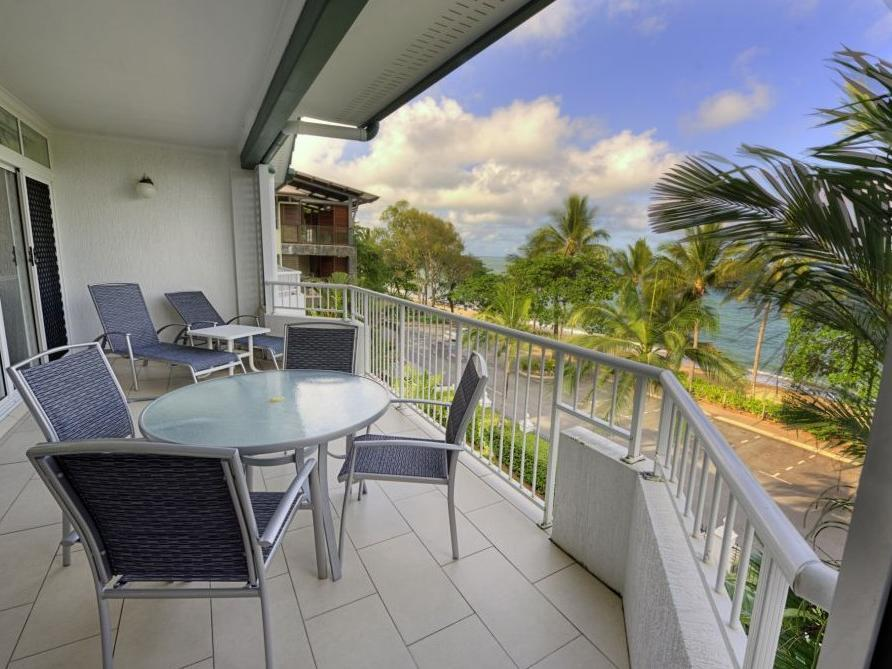Costa Royale Beachfront Apartments - Hotell och Boende i Australien , Cairns