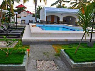 Villa Del Pueblo Inn بوهول - حمام السباحة