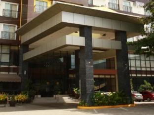 Dohera Hotel Cebu - Eingang