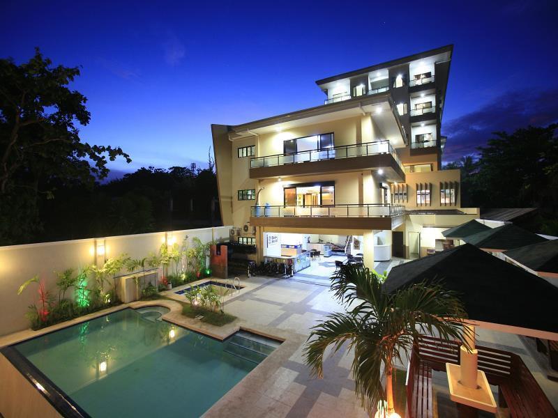 Palmbeach Resort & Spa سيبو