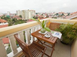 Grand Residence Phnom Penh - Balcony