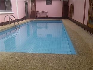 บ้านสวนวิวทะเล รีสอร์ท ชลบุรี - สระว่ายน้ำ