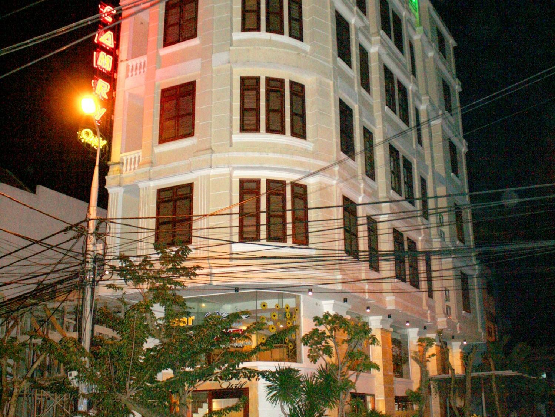 Camry Hotel Danang - Hotell och Boende i Vietnam , Da Nang