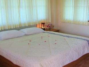 Room photo 10 from hotel Mongkol Resort