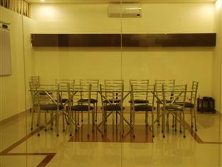 Hotel Sunstar New Delhi and NCR - Dining Area
