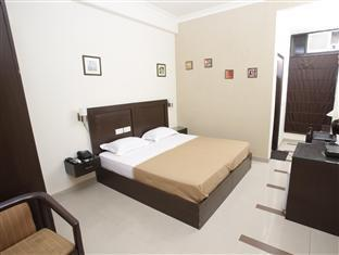 Hotel Sunstar New Delhi and NCR - Deluxe Room