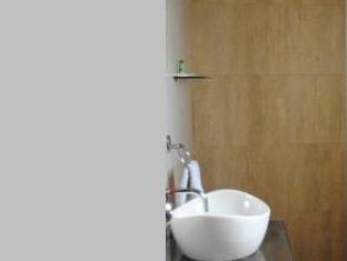 Hotel Sunstar New Delhi and NCR - Bathroom