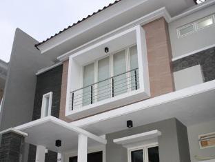 Alamat Hotel Murah Panggon Guesthouse Surabaya
