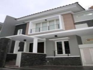 Panggon Guesthouse Surabaya - A szálloda kívülről