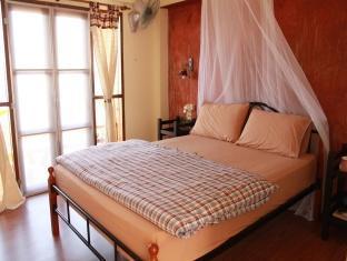 Mhorlao@Chiangkhan guestroom junior suite