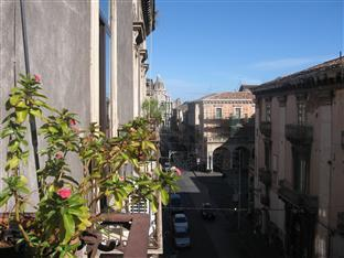 City Lounge B&B Catania - Deluxe Room View