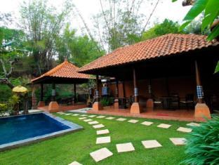 Ubud Hotel & Villas Malang - Bedugul Swimming Pool
