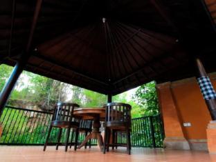 Ubud Hotel & Villas Malang - Balcony/Terrace