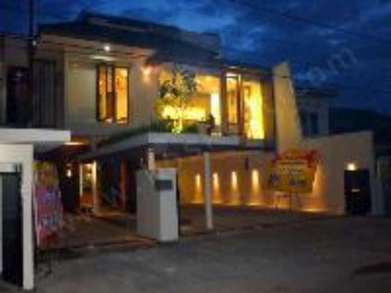 Farila Guest House سورابايا
