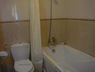 Cuu Long Hotel Long Xuyen (An Giang) - Bathroom