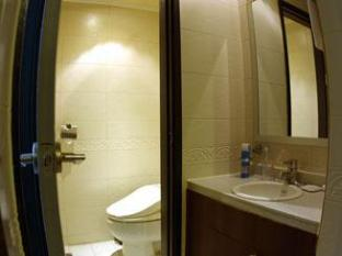 Manhattan Hotel Seoul - Deluxe Double Bed