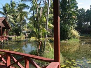 Tanjung Inn Villa De Fedelia Cherating - Tanjung Inn Exterior