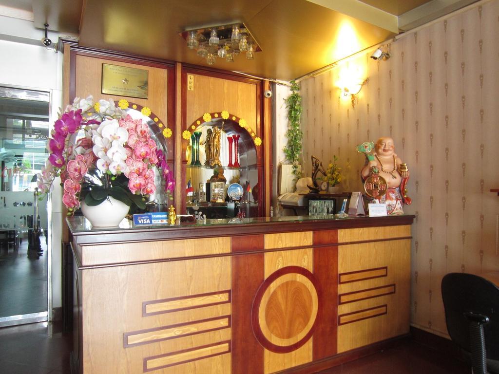 Tan Hoang Long Hotel-District 5 - Hotell och Boende i Vietnam , Ho Chi Minh City