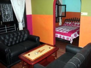 Langsisha Guest House Kathmandu -  Family Room