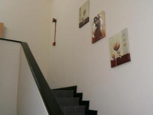 M Joy Hotel Kuala Lumpur - Staircase